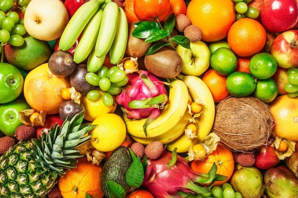 В России введена норма провоза цветов и фруктов